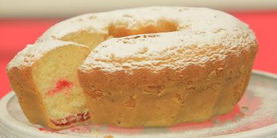 باوند كيك الجبنة والفراولة