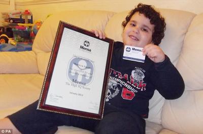 Sherwyn Sarabi yang boleh membaca ketika berumur dua tahun diiktiraf dalam masyarakat yang memiliki IQ tinggi Mensa.