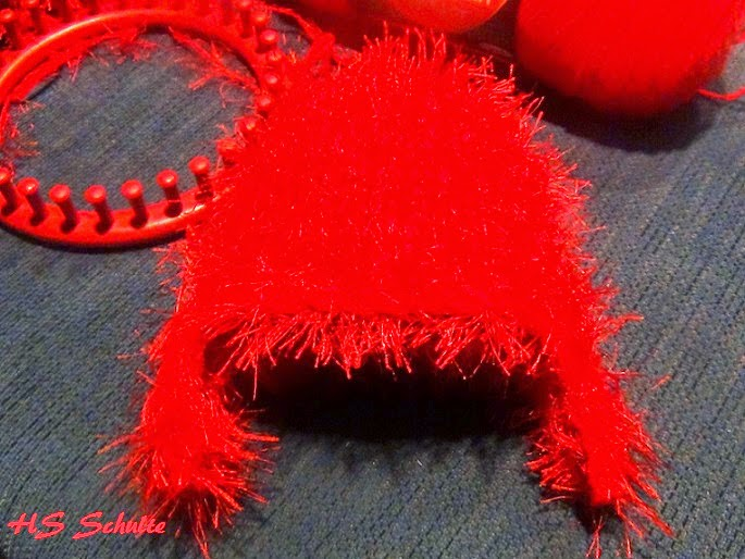 Knifty Knitter Elmo