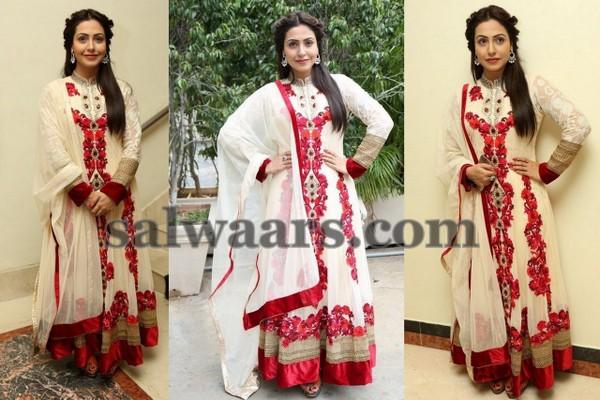 Nandini Roy Floral Salwar