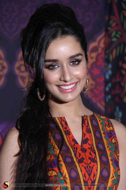 Shraddha Kapoor Long Straight Hairstyle Ideas for Teen Girls