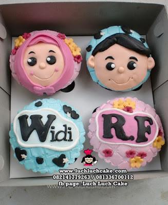 Cupcake 2d Cowok dan Cewek Birthday Cupcake