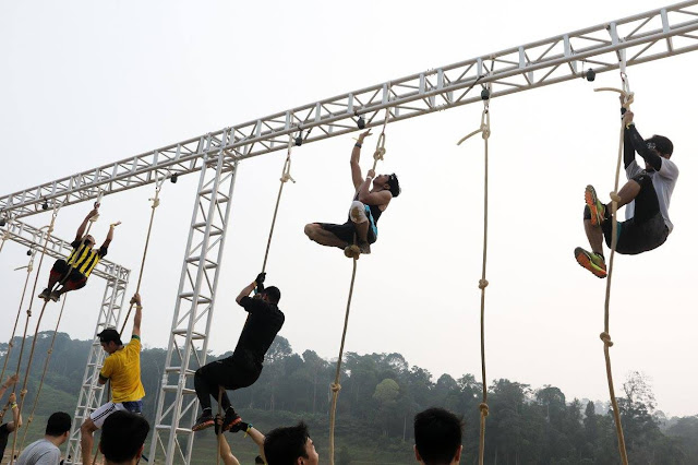 rope climb spartan race malaysia 2015
