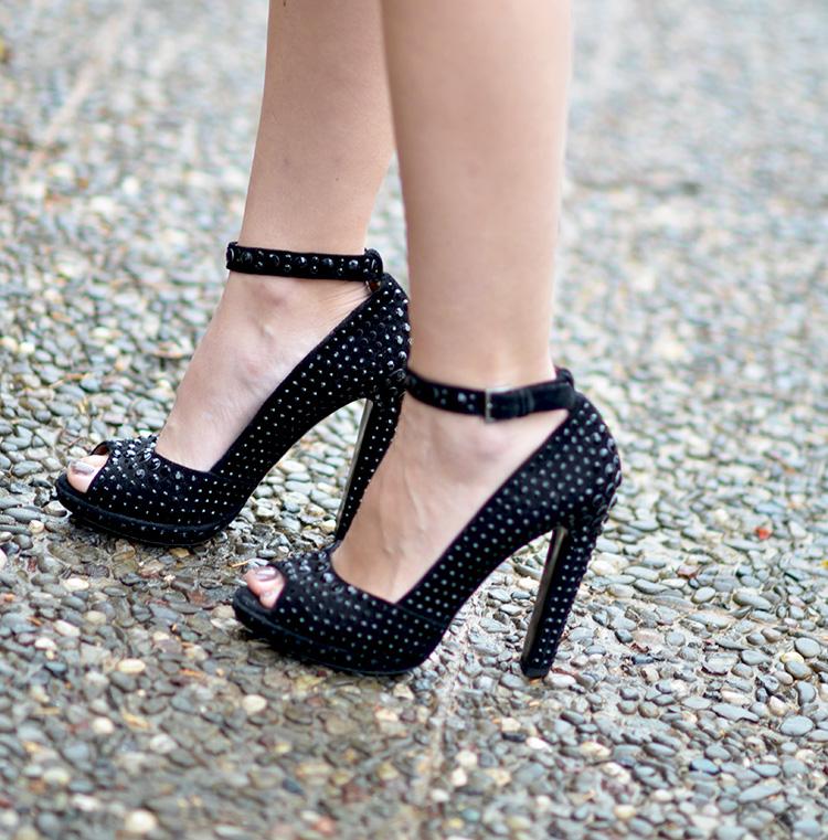 Alaia peep toe heels