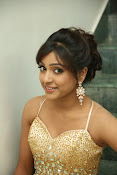 glamorous Vithika sheru new sizzling pics-thumbnail-12