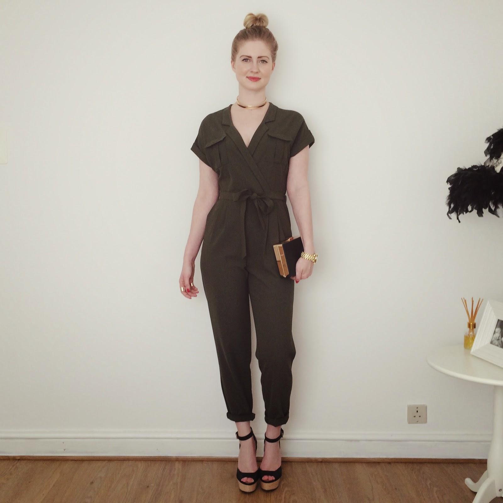 FashionFake, how to wear khaki, khaki jumpsuit, fashion bloggers