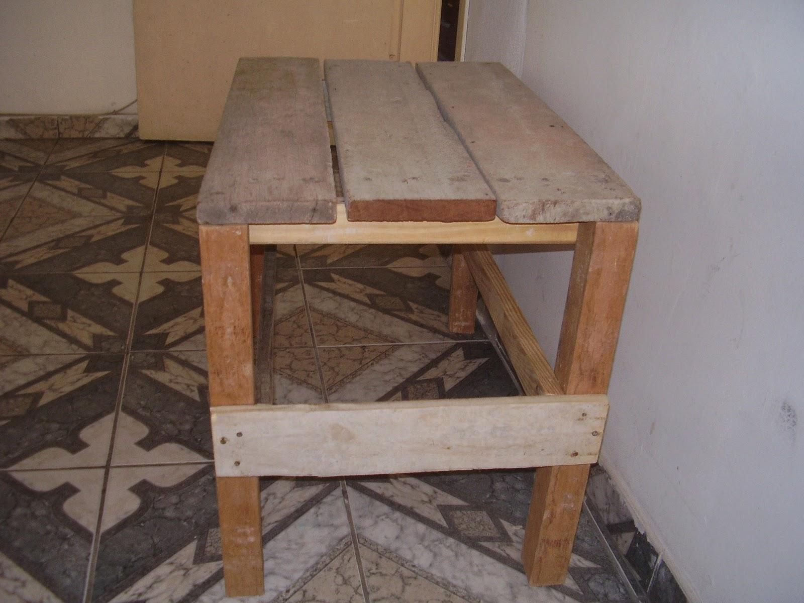 Arte com amor: Mesinha com sobras de madeira de construção #816048 1600x1200
