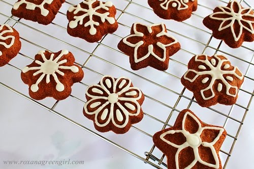 ginger cookies | roxanashomebaking.com