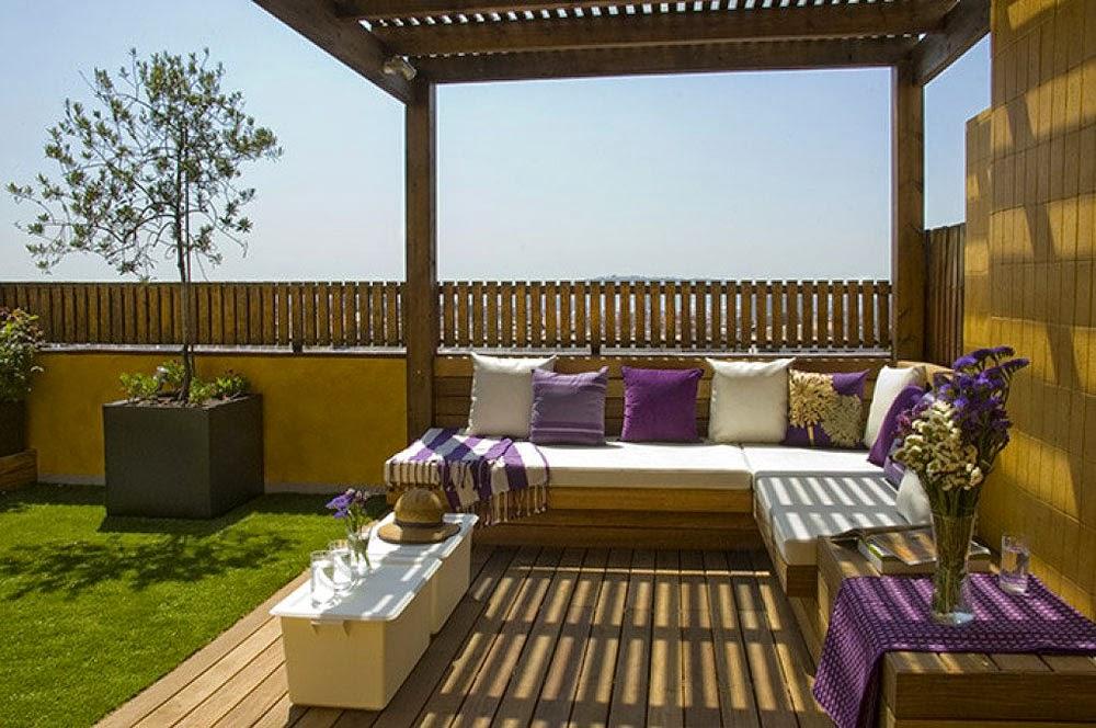 Banquetas con almohadones o cojines decorativos patios y jardines - Decoracion para terrazas exteriores ...