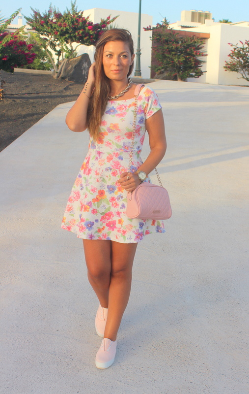 Floral_Bow_Dress_The_Pink_Graff_02
