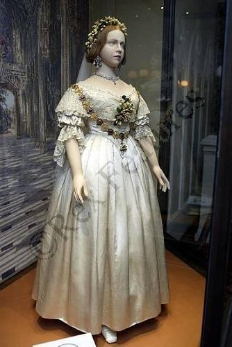 royal wedding dress kensington