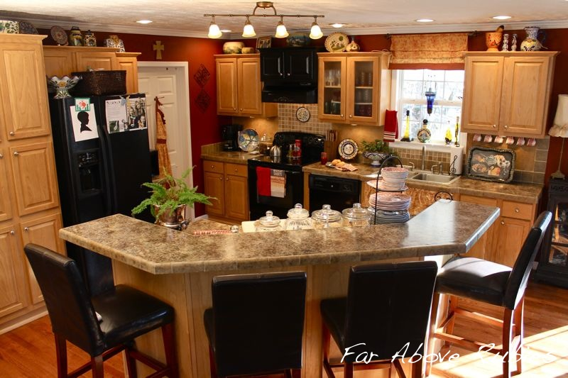 2012kitchen1 Cottage in the Mountains of Western North Carolina home tour