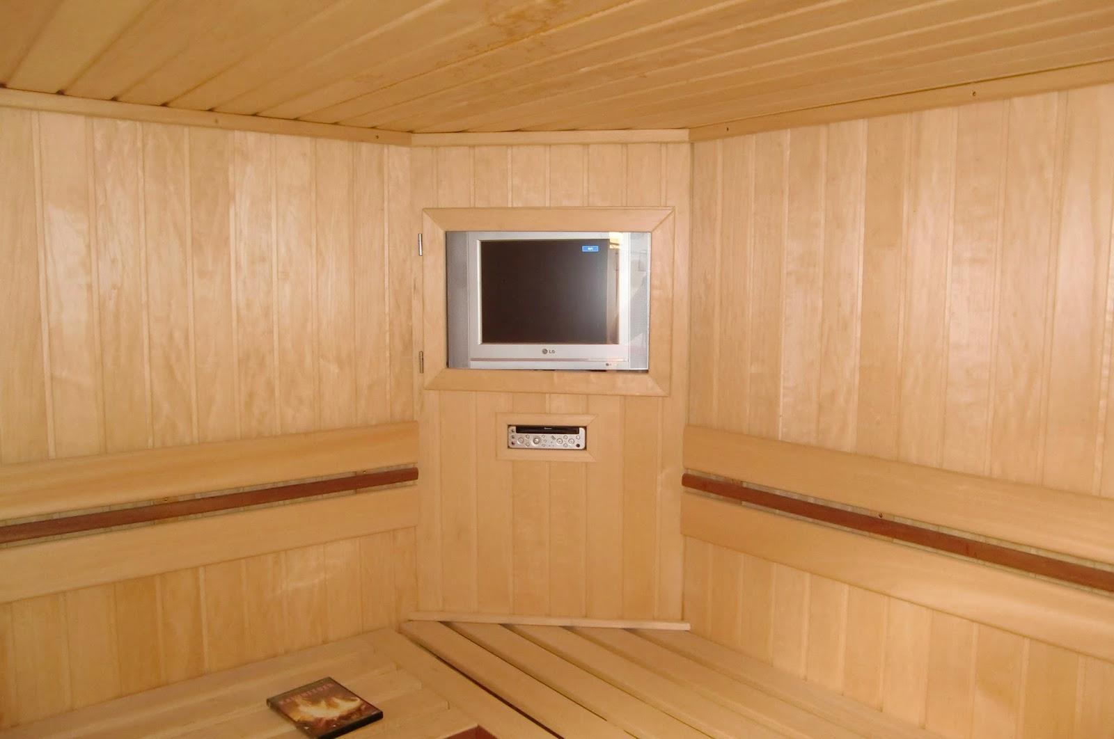 Fernseher in der Wellness Sauna
