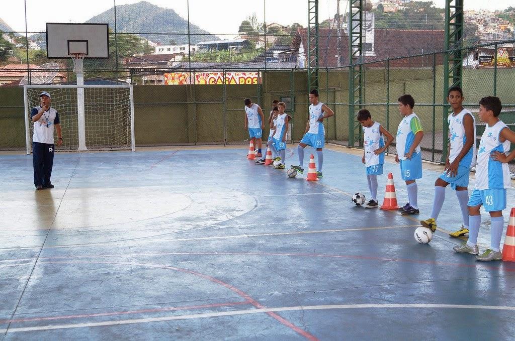 Escola Municipal de Teresópolis recebe projeto esportivo e social patrocinado pela FIFA