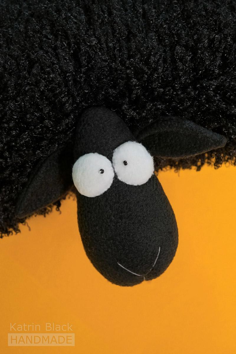 Овечка-подушка из меха и флиса. Купить. Сшить своими руками.