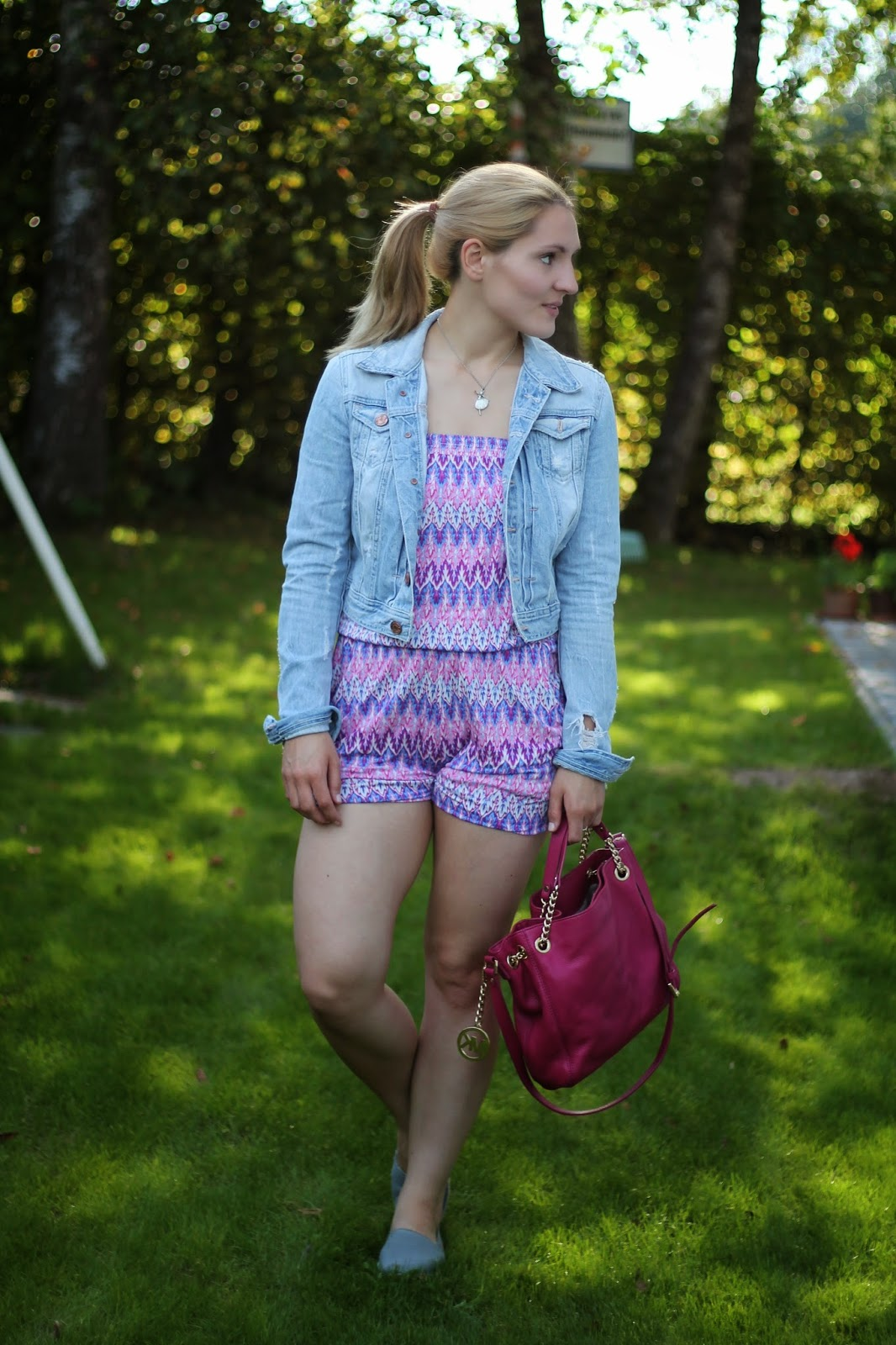 Fashionblogger Austria / Österreich / Deutsch / German / Kärnten / Carinthia / Klagenfurt / Köttmannsdorf / Spring Look / Classy / Edgy / Summer / Summer Style 2014 / Summer Look / Fashionista Look /   / Summer Look / Takko / Jumpsuit / Michael Kors Jetset Bag Pink / Espadrillas Espadrij Grey / Jeans Jacket H&M / Ballerina Necklace /