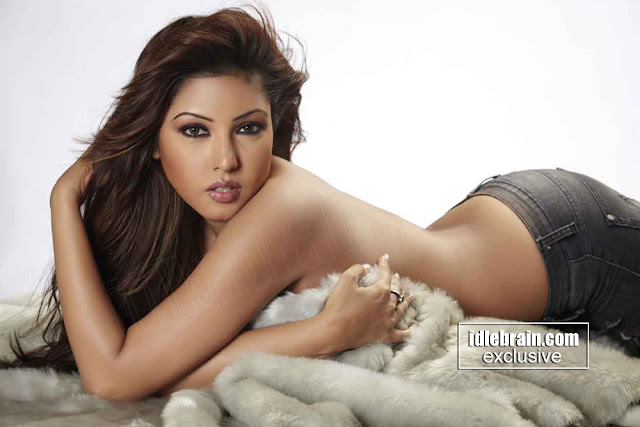 Komal Jha hot