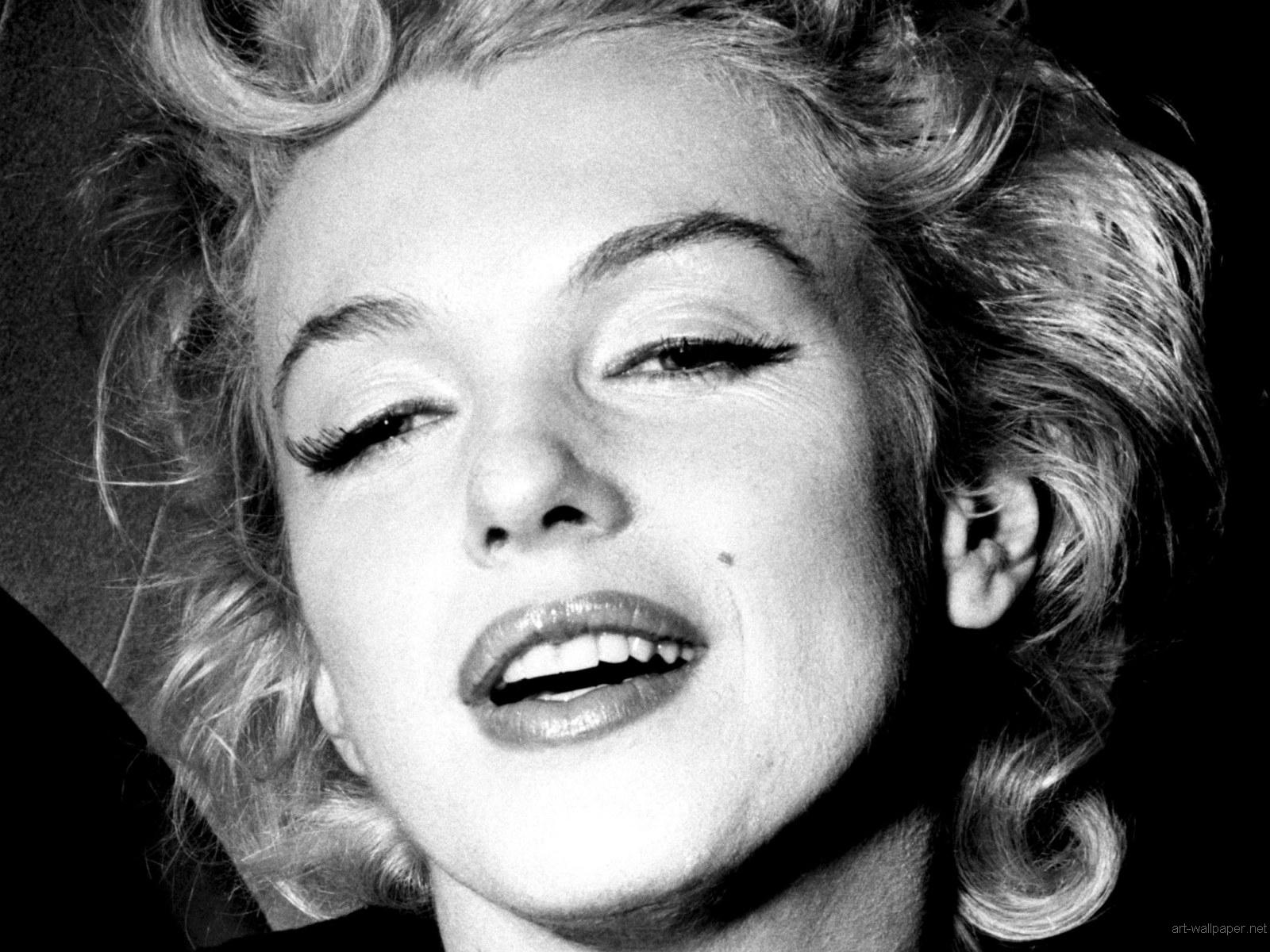 http://2.bp.blogspot.com/-XdtGOxUlMIk/UTJQEQKF7DI/AAAAAAAACt4/xEBk8kuYk74/s1600/Marilyn-Monroe-wallpaper_038.jpg