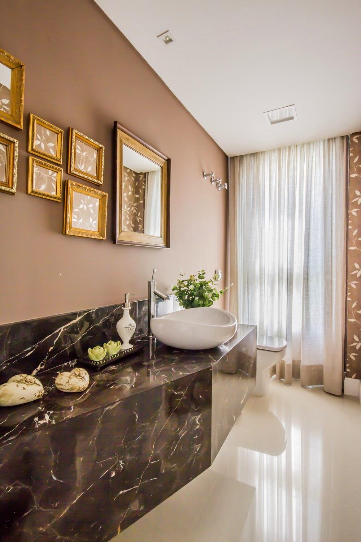 itens decoracao lavabo:Lavabos com cortinas – veja decorações clássicas e luxuosas com