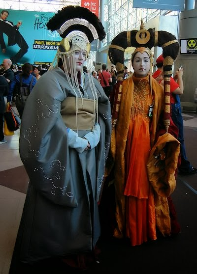 The qwillery new york comic con 2013 stuff star wars queen amidala and friend fandeluxe Choice Image