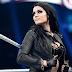 Paige revela se colocou silicone nos seios