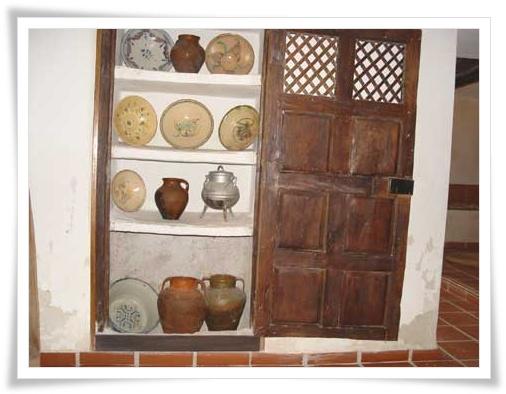 Casas de haro la cocina manchega - Alacenas de cocina antiguas ...