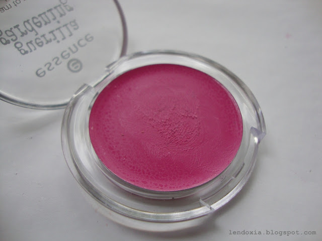 essence cream to powder blush