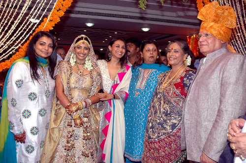 Bollywood actress Sameera Reddy Wedding Pictures ...