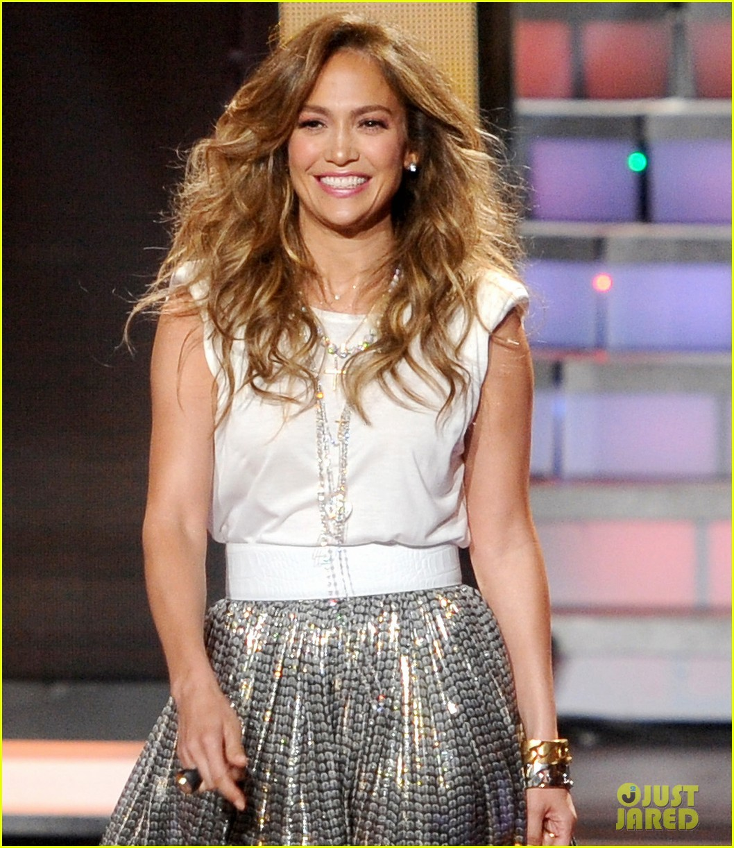 http://2.bp.blogspot.com/-XeREB6xPpAU/T34T6SgIbOI/AAAAAAAALbw/bAr5lXn_6bE/s1600/jennifer-lopez-dance-again-video-preview-04.jpg