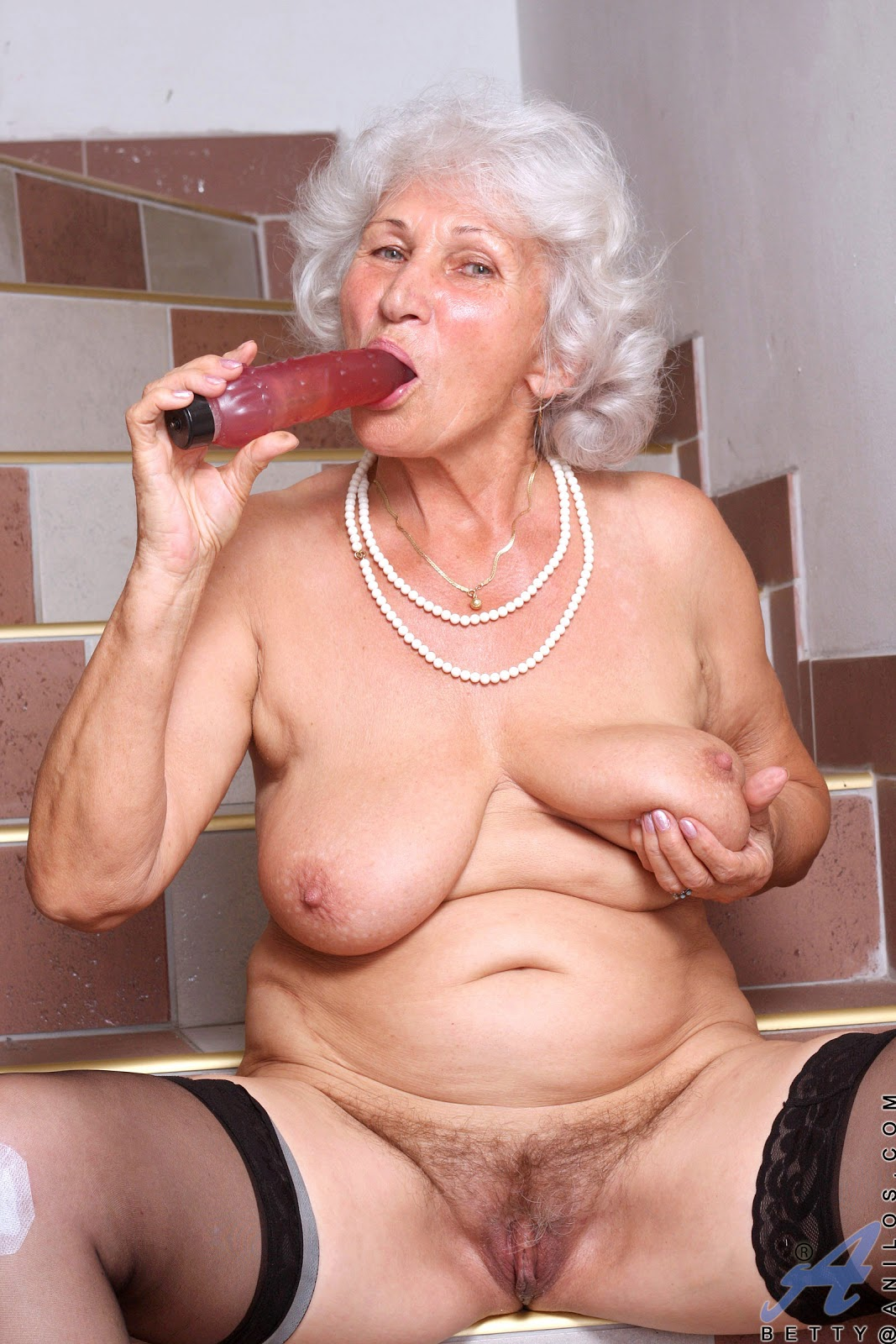 Horny older women.com