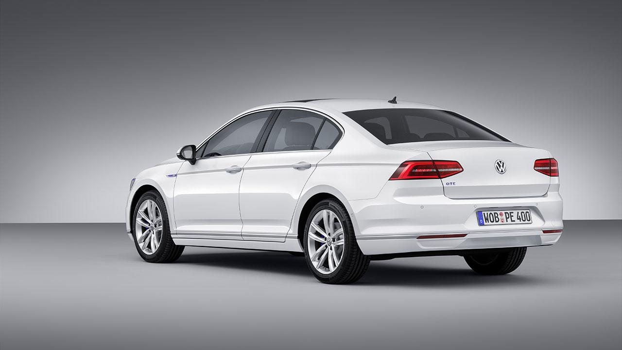 Volkswagen Passat GTE Plug-In Hybrid rear