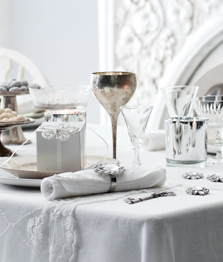 White and silver christmas ideas 79 ideas for Decoration table noel