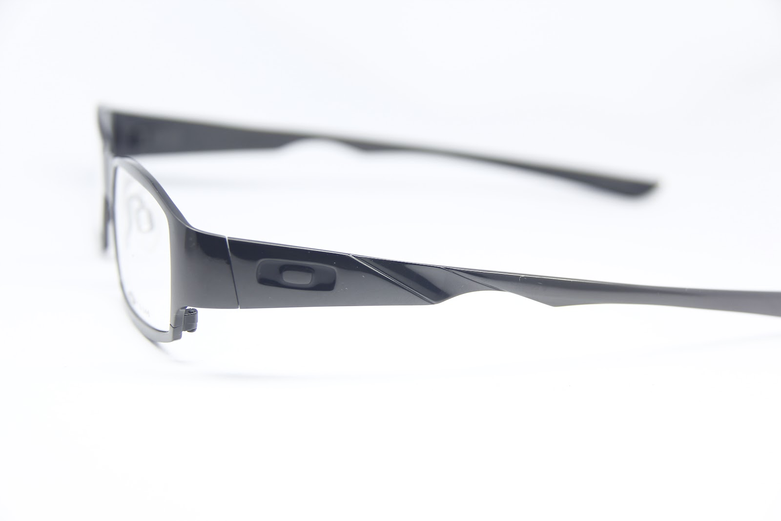 85b9a3e427 Oakley Chieftain Pewter « One More Soul