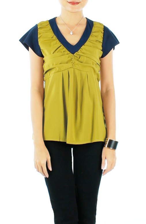Swing Blouse With Contrast Detail