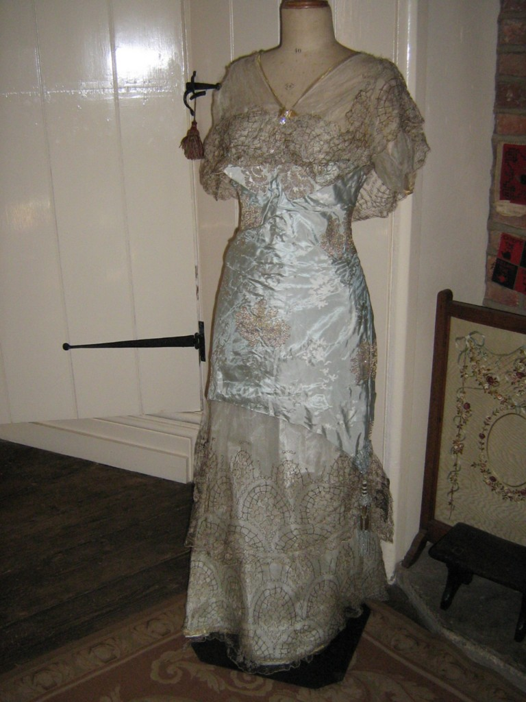 All The Pretty Dresses: Edwardian ball gown