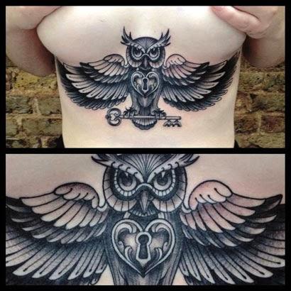 Fotos de tatuagens de corujas nas costelas