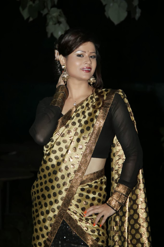 Shilpa chakaravarthy in black full sleeve blouse