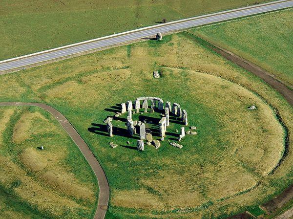 Ternyata Stonehenge Dibangun oleh Ribuan Orang