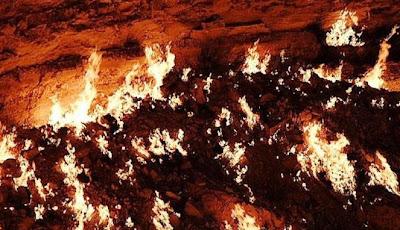 Gerbang Neraka Di Turkemenistan, 40 Tahun Api Tak Pernah Padam [ www.BlogApaAja.com ]