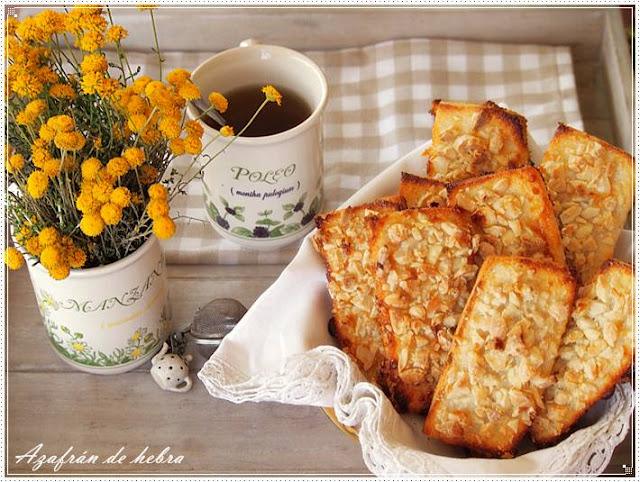 Pastas de pan y almendras