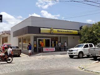 http://2.bp.blogspot.com/-Xfcn8L6KP0E/UkBQX7C7QYI/AAAAAAAAFSo/eN6_EYKnVj4/s320/banco+do+brasil+de+Granja+23-09-2013.jpg