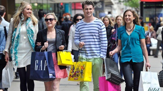 5 Reasons Why Street Shopping is Amazingly Popular