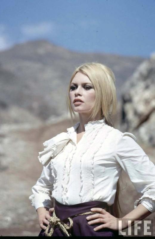 vintage everyday: Brigitte Bardot on the set of Shalako, 1967