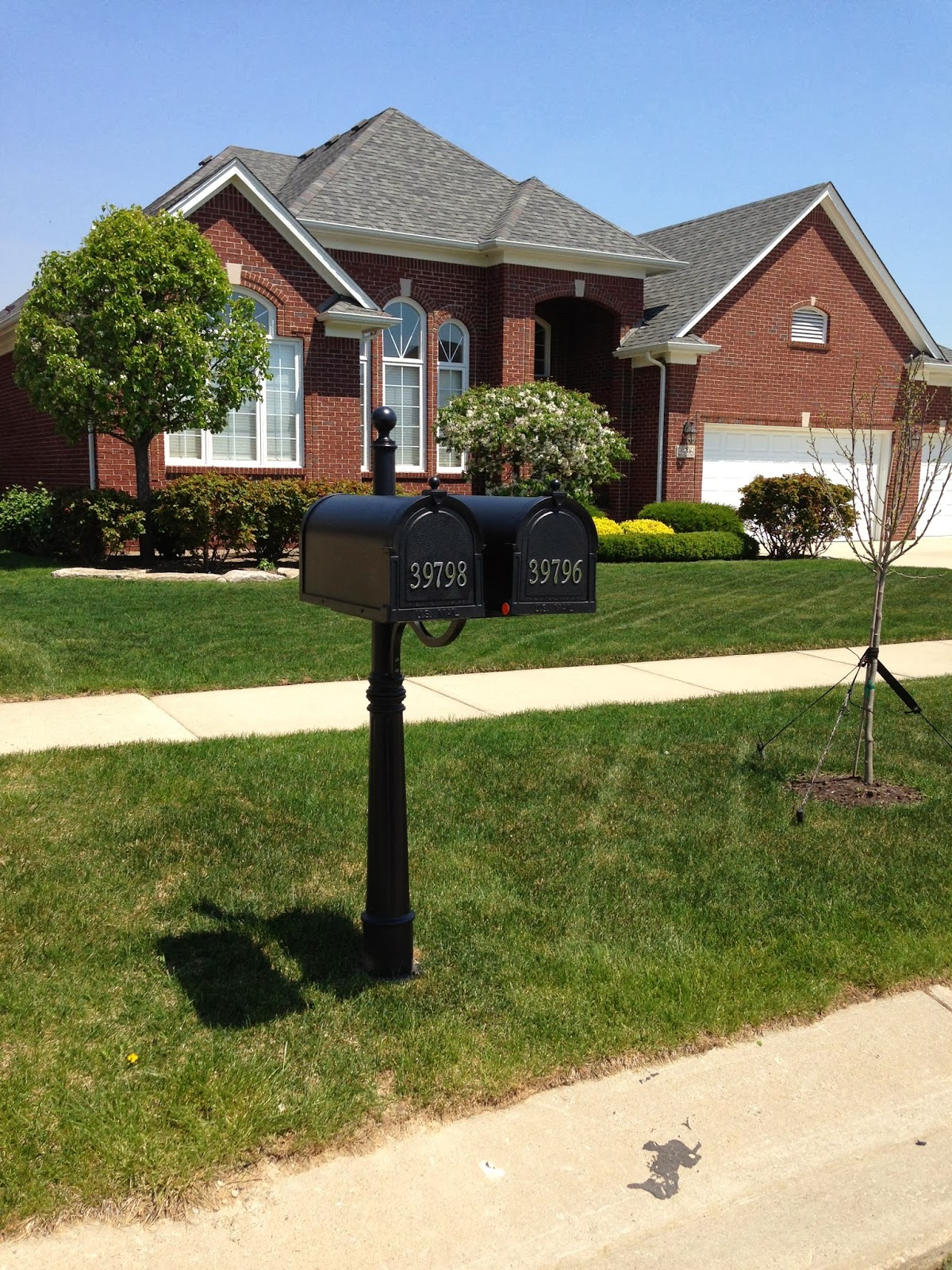 Special lite products decorative curbside mailbox units for Unique mailboxes with post
