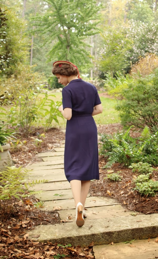 1940s Stroll in the Park #vintage #clothing #40s #dress
