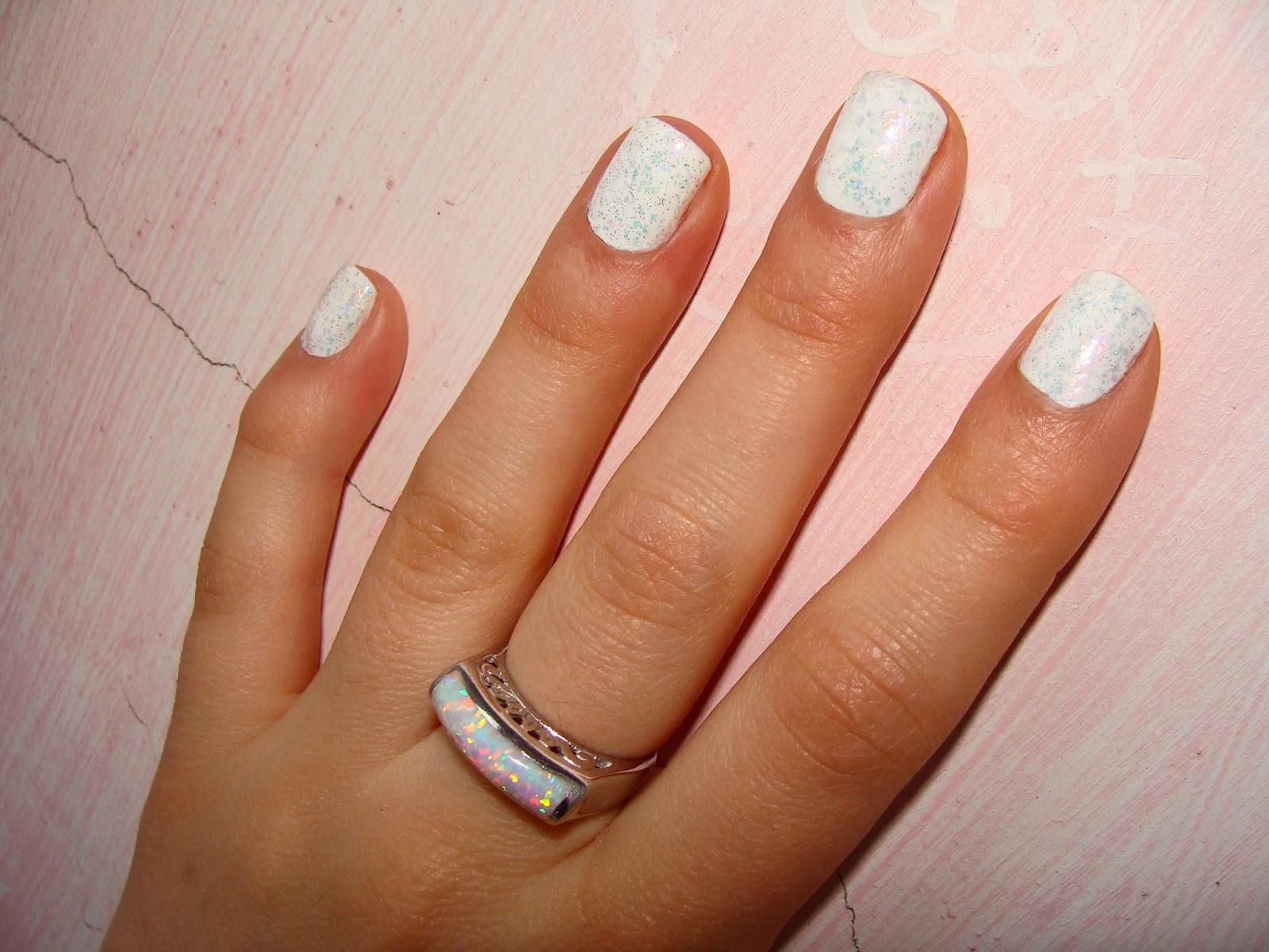 Aurelia 137 Magnifique over white color