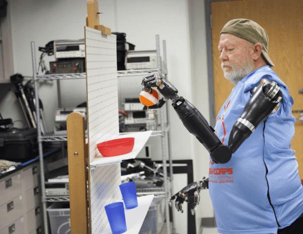 بالفيديو: لأول مرة التحكم بالأعضاء الصناعية بواسطة الأفكار أصبح ممكنا !