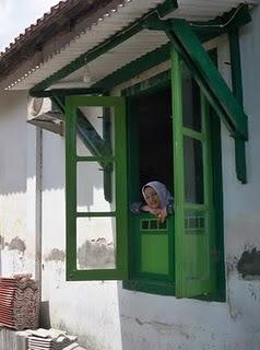 Marissa Grace haque Fawzi, di sebuah Desa di Rumah Penduduk Yogyakarta.