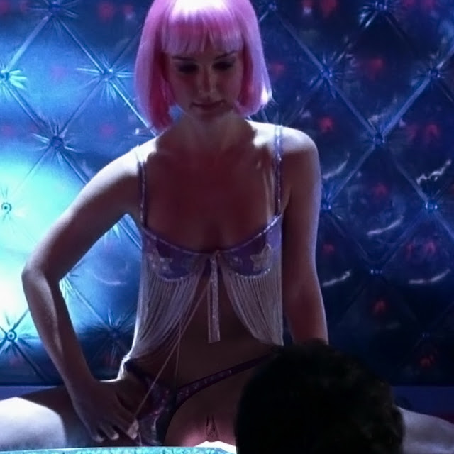 Natalie Portman Spread Legs Show Pussy Deleted Scene From Closer