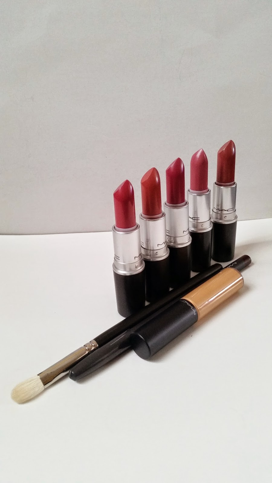 MAC haul lipsticks 217 brush concealer
